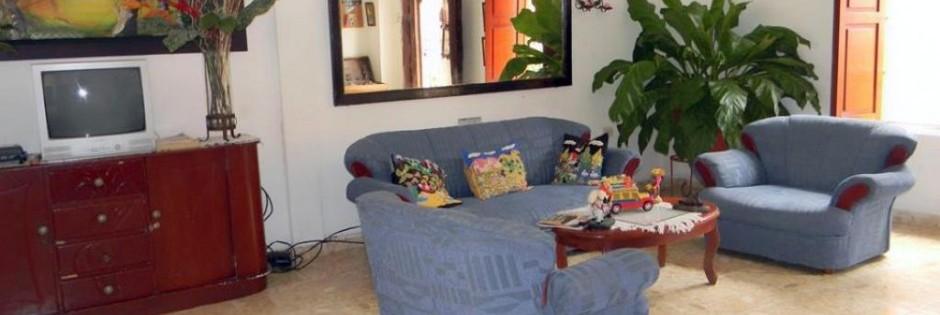 Sala  de TV Fuente Facebook Fanpage Hotel El Pedregal